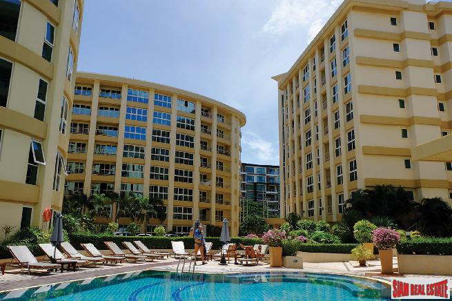 City Garden Condominium Pattaya | Spacious and Centrally Located Large 2 Bed Condo on 7th Floor