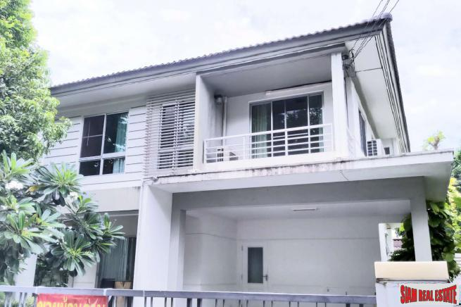 Sivalee Ramkhamhaeng-Wongwaen | 2 Storey 3 Bed House Located next to Clubhouse in Peaceful Estate at Ramkhamhaeng Road Area