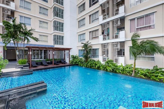 Condo One X Sukhumvit 26 | Bright and Spacious One Bedroom Close to BTS Phrom Phong