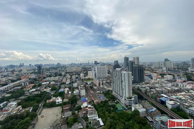 3 Bed on High Floor at Newly Completed High-Rise Condo by Leading Developers at Chatuchak Park Area close to BTS and MRT, Excellent Facilities including Sport Arena - 21% Discount + Free Furniture and Electronics!