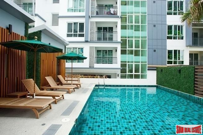 Vogue Sukhumvit 16 | Two Bedroom Fully Furnished Condo for Sale in Low Rise Building Near BTS & MRT
