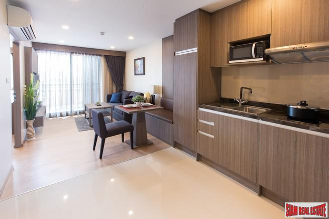 Low-Rise Quality Condo at Soi Thong Lor with Roof Facilities, close to Phetchaburi Road - 2 Bed Units