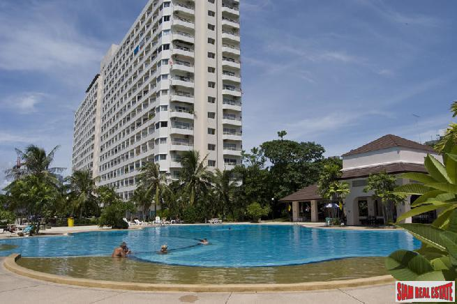 View Talay 1 | 2 Studios Combined to make Large 64 Sqm Unit - 50% Price Reduction!