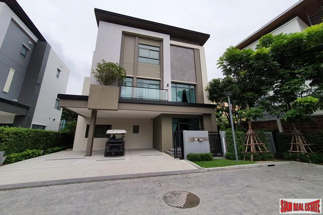Luxury 4 Bed Show House for Sale in Exclusive Estate with Clubhouse at Bangchak Sukhumvit, close to BTS Phunnawithee