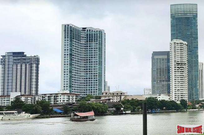 Baan Sathorn Chaophraya | Exceptional River Views from this 2 Bed Corner Unit on 26th Floor on the Chaophraya River
