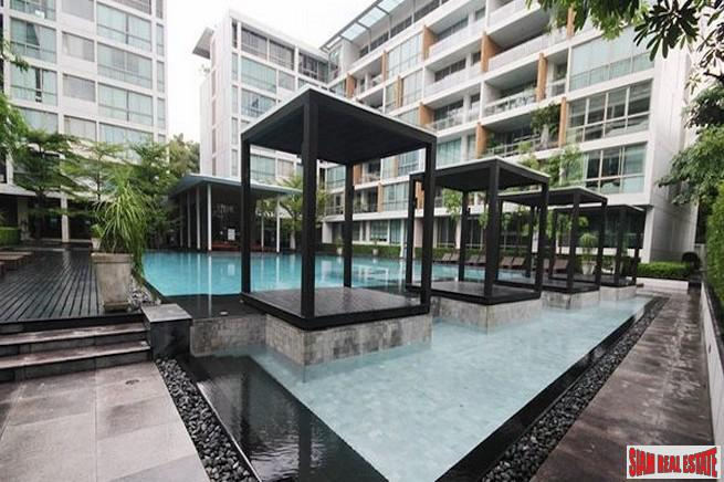 Ficus Lane | Spacious Two Bedroom for Sale in Pet Friendly Building near Sukhumvit 44/1