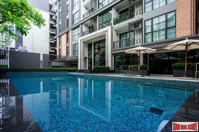 Ready to Move in Luxury Low-Rise Condo at Soi Langsuan, 300 Metres to BTS Chidlom, Lumphini - 2 Bed Units