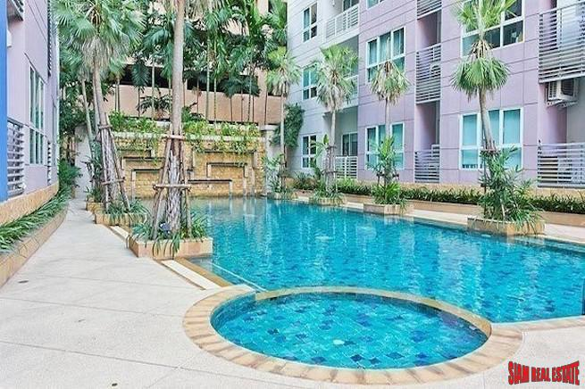 Avenue 61 Condominium | Spacious Contemporary Two Bedroom Low Rise Condo for Rent in a Quiet Area of Thonglor