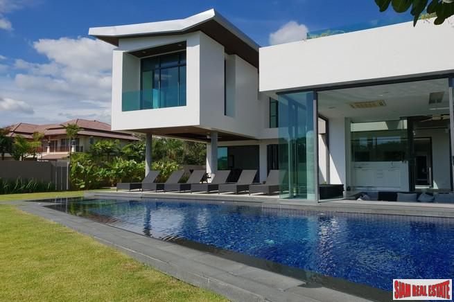Laguna Homes | Deluxe Five Bedroom Golf Course House for Rent with Private Pool and Guest Pavilion