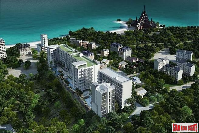 Club Royal Wongamat | Spacious Two Bedroom Condo for Sale 100 m. from the Beach in Na Kluea