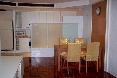 Asoke, Live in a high floor to Fill Your Life Full of Happiness with A Modern 2 bedrooms condo