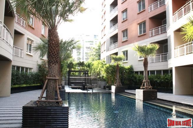 The Rise Sukhumvit 39 | Large Two Bedroom Condo for Rent in a Low-rise Phrom Phong Building