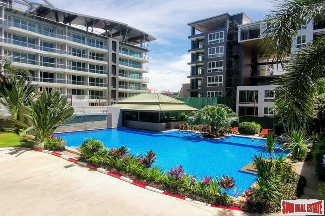 Tudor Court Condo | Extra Large One Bedroom Condo for Sale in Pattaya City