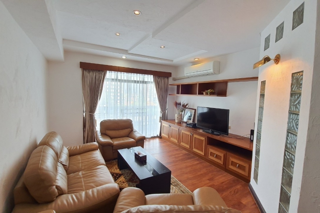 Royal Castle |Three  Bedroom Apartment  for Rent in the Heart of Bangkok - Phrom Phong - Pet Friendly!