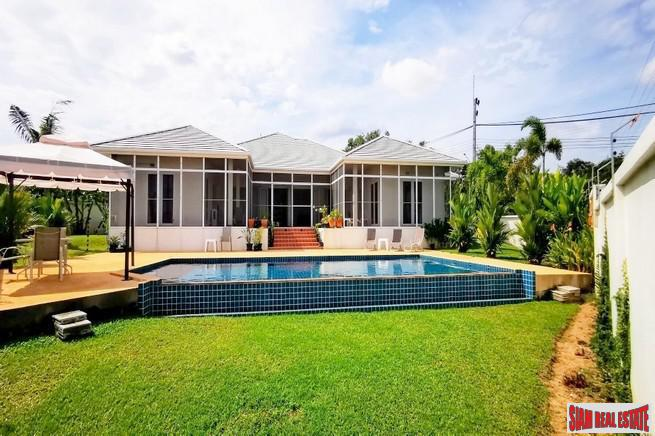 Large Four Bedroom Decorated in Modern-Thai Style with Private Swimming Pool for Sale in Huay Yai