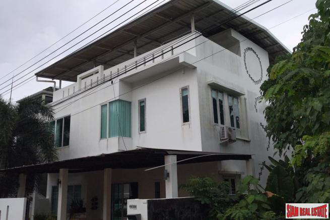 Three Storey, Three Bedroom House with Private Pool for Rent in Chalong