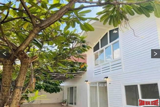Spacious House with Four Bedrooms and Two Multipurpose Rooms for Rent on a Quiet Ekkamai Alley