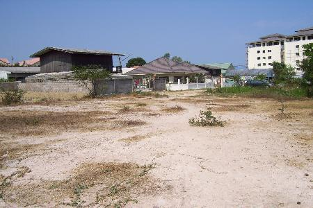 Land For Sale In Hua Hin Near New Developments and Mountain Views