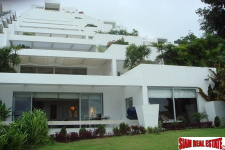 Stylish contemporary apartment at Kamala Beach with foreign freehold title