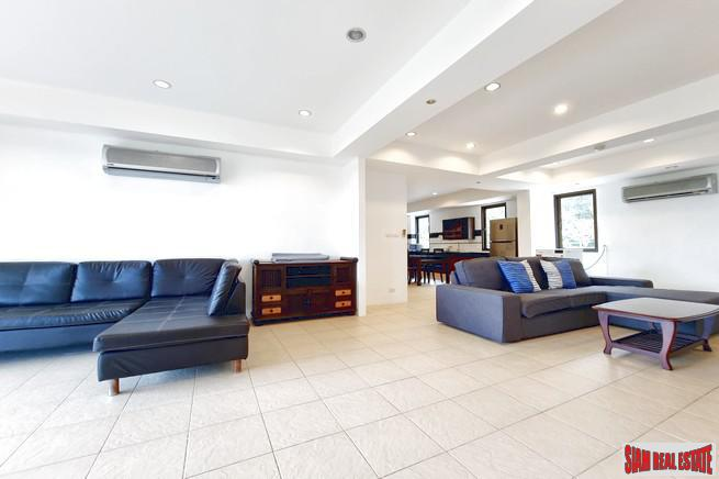 Very Spacious 2 Bedroom Apartment 6