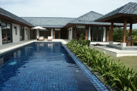 Elegant 3 Bedroom Pool Villa with Sauna, Holiday Rental in Rawai, Phuket