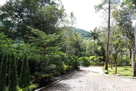 Last land plot for Sale in small residential estate over looking Loch Palm
