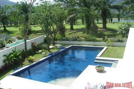 Golf Course Town House for Sale with Pool in Loch Palm, Kathu Phuket