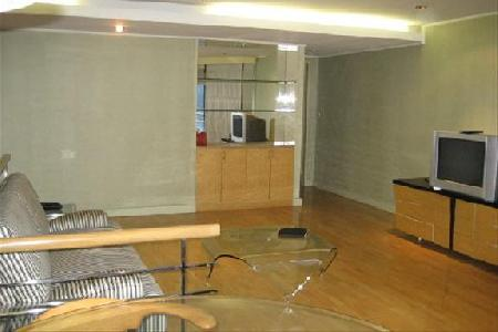 Sukhumvit16, 2 Bedrooms condo for rent with lake view