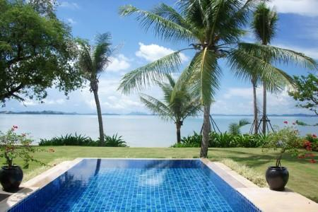 Luxury Private Pool Villas on a Tropical Island Resort Set on an unspoiled 550 metre Stretch of Private Beach.