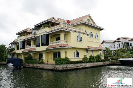 Semi-Detached 2 Bedroom Townhouse with Large Roof Terrace for Long Term Rent at Boat Lagoon, Phuket