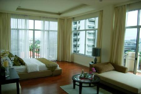 3 Bedrooms wit Luxury, Elegant and High Privacy Unit in SATHORN GALLERY
