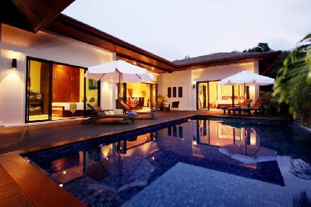 5 Bedroom House with Swimming Pool and External Jacuzzi For Rent at Nai Harn, Phuket