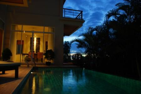 Karon Holiday Rentals | Three Bedroom Vacation Villa in Karon