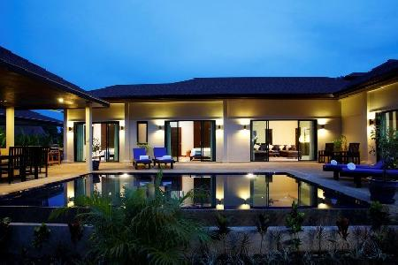 Luxury 4 Bedroom House with a Private Swimming Pool and External Jacuzzi For Holiday Rent at Nai Harn, Phuket