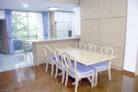 Quiet 3 bedroom apartments close to Thonglor BTS
