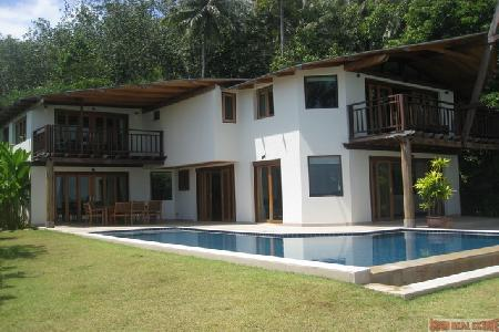 Beautiful 5 Bedroom Villa at The Village Coconut Island