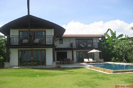 Luxury 3 Bedroom Beachfront Villa at The Village Coconut Island