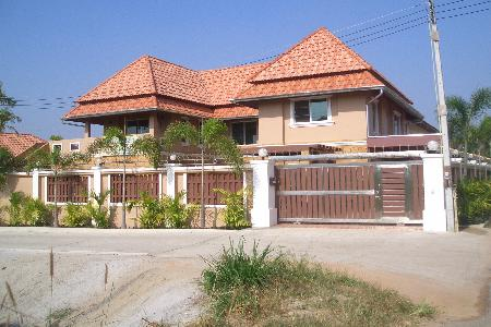 Fabulous 3 Bedroomed House For Sale - Mabprachan Lake, Pattaya