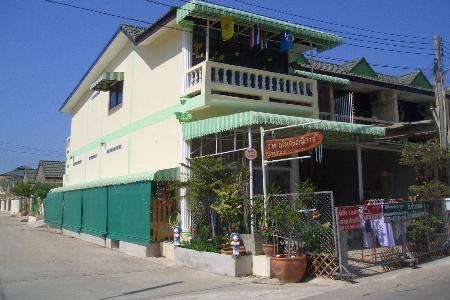 Spacious 4 Bed roomed House - 3km from Sukhumvit Road, Jomtien - Pattaya