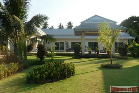 Beautiful Four Bedroom House with Swimming Pool For Sale at Rawai