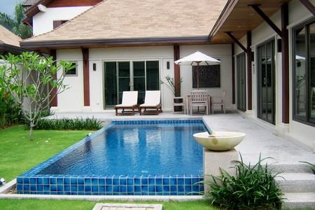 Three Bedroom Modern Pool Villa at Nai Harn For Rent