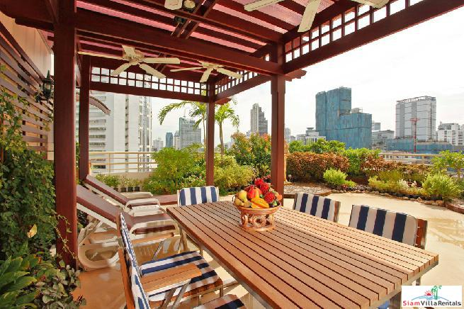 An impressive 3 bedroom Sukhumvit condo with scenic roof garden