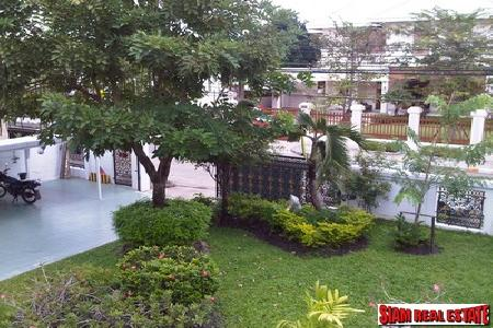 Panya Village | House with Lovely Garden for Rent - 4 bedrooms, 4 bathrooms