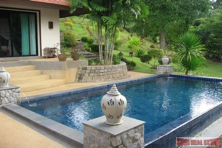 Stunning Hillside 4 Bedroom Pool 11