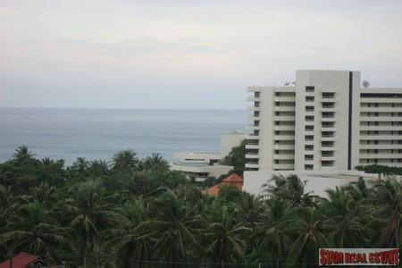 Immaculate Seaview Condo with 1 Bedroom in Karon