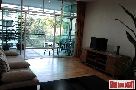 Immaculate Seaview Condo with 1 11