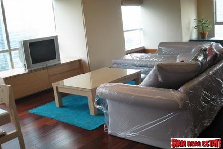 Contemporary designs condo for rent, 1 bedroom plus one study, 1 bathroom on Sathorn road, Easy to reach Skytrain - Chong Non Si station and Bus Station BRT Sathorn at Sky Villa