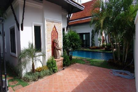 Two Bedroom Two Bathroom House In South Pattaya