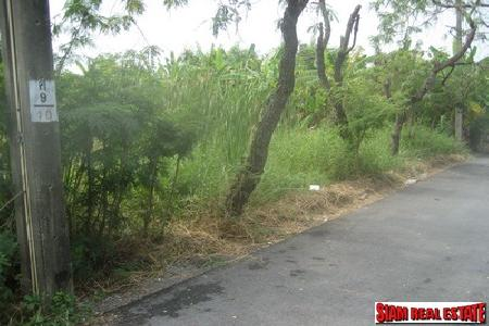 Plot of Land 769 Sq.wah. for sale on Onnut - Srinakarin
