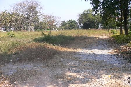 Very Large Plot of Land Extensive Frontage Onto Access Road - South Pattaya
